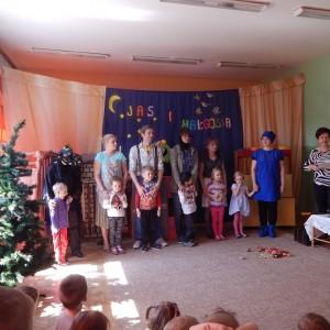 Jaś i Małgosia- bajka w wykonaniu rodziców z grupy III (1) - Kopia