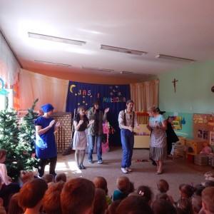Jaś i Małgosia- bajka w wykonaniu rodziców z grupy III (11)