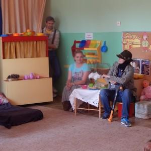 Jaś i Małgosia- bajka w wykonaniu rodziców z grupy III (3) - Kopia
