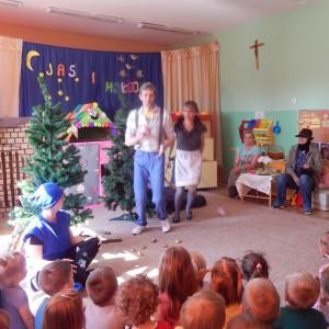 Jaś i Małgosia- bajka w wykonaniu rodziców z grupy III (4) - Kopia