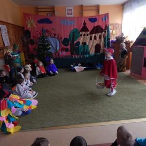 Czerwony Kapturek w wykonaniu dzieci z grupy VI (2)