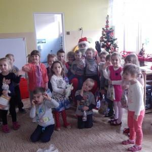 Wizyta świetego Mikołaja w Przedszkolu  (33)